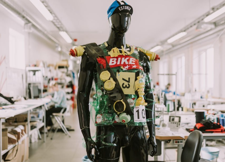 moomoo turning old junk into recycled cycling clothes
