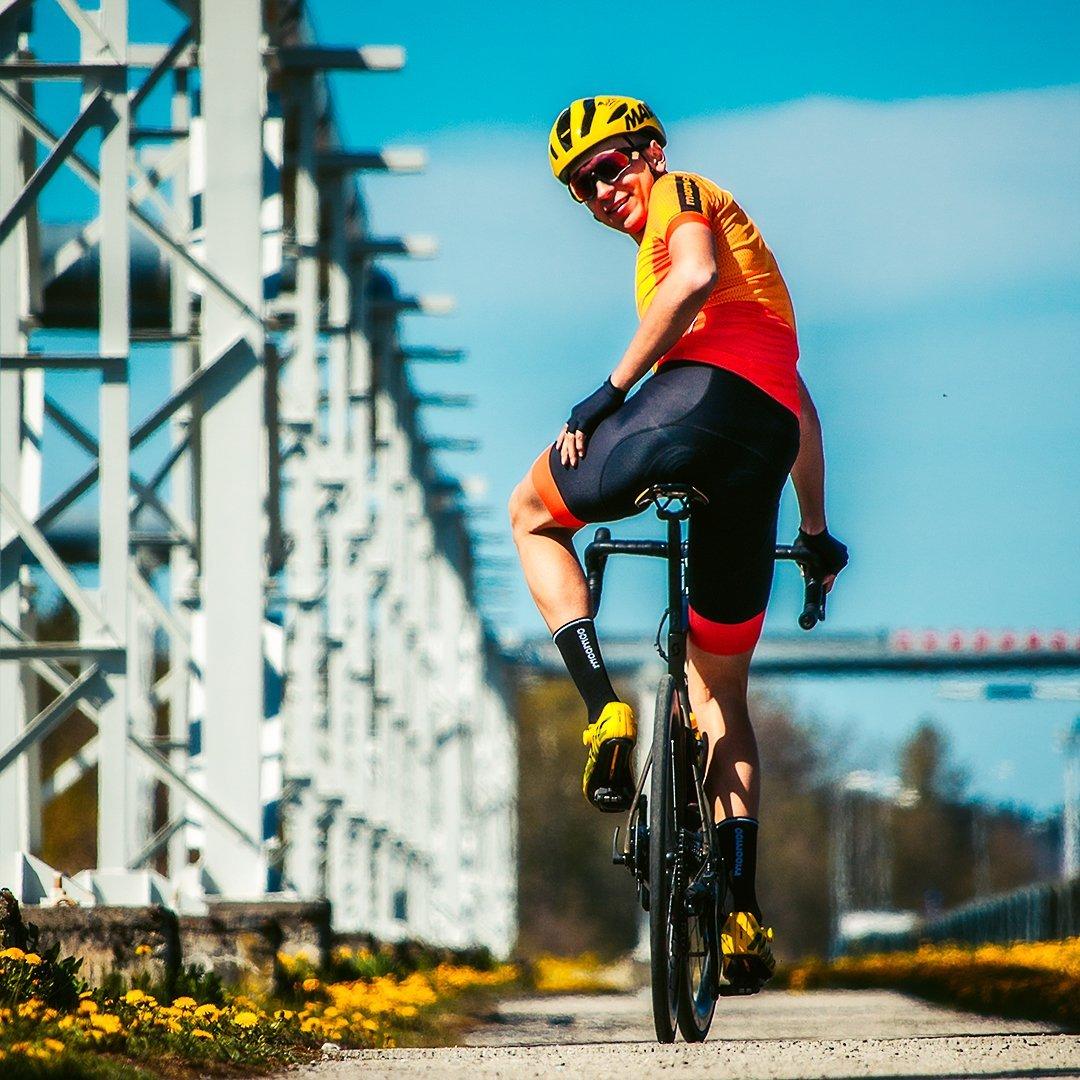 Life-Cyclist keskkonnasõbralikud rattariided on valmistatud taaskasutatud ja loodussõbralikest materjalidest