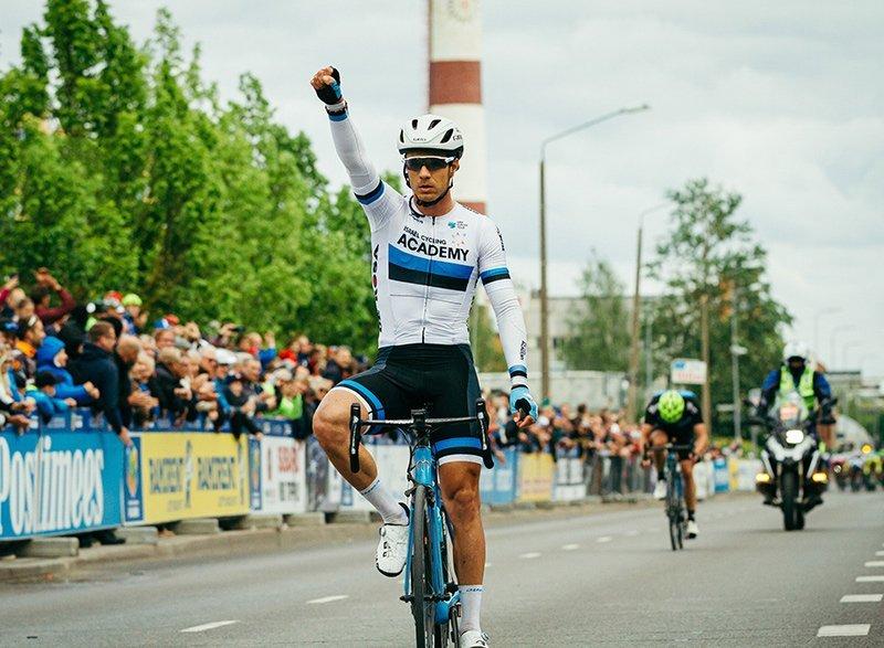 Mihkel Räim võiduka Tour of Estonia Tartu GP finišis