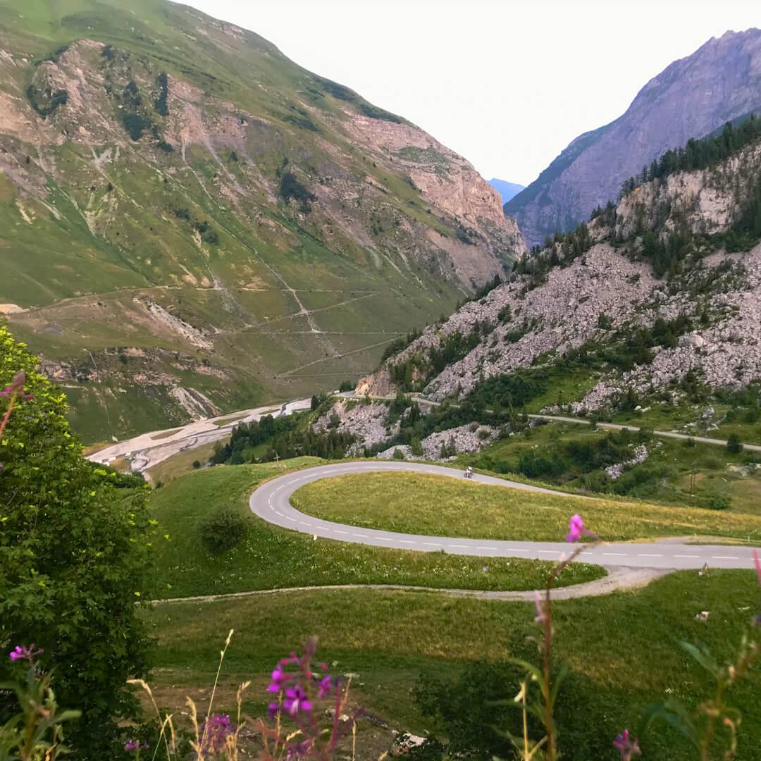 Evgeni ja Priit sõidavad rattaga ümber Euroopa kõrgeima mäe